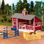 breyer-red-stable-set