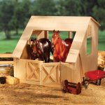 Breyer Wood Stable for Traditional Series and Classics Horses
